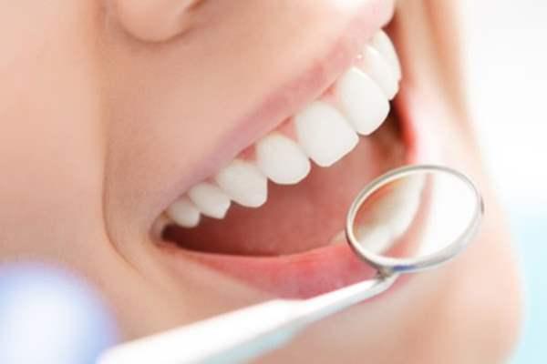 Акция профессиональная гигиеническая чистка полости рта за 499 грн - фото