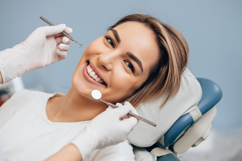 Реставрация зубов canstockphoto76515062 e1606079816230