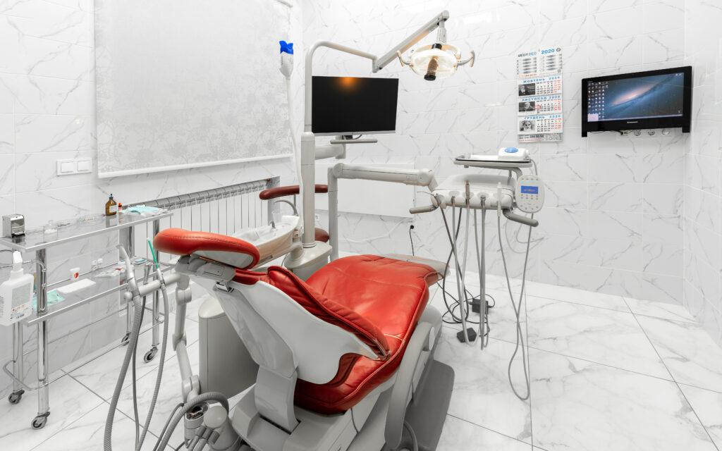 Стоматологія на Театральній (вул. Пушкінська, 9Б) imgp5169 1 1024x640